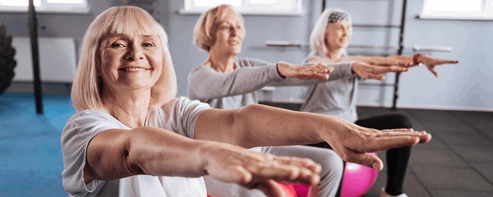 kobiety na areobiku dla seniorów